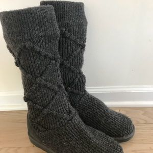 UGG knit Charcoal Gray Slouch boots. Women's sz 9